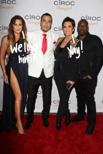 kris-jenner-super-happy-with-bf-corey-gamble__oPt